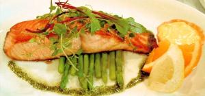 Как приготовить лосося в духовке