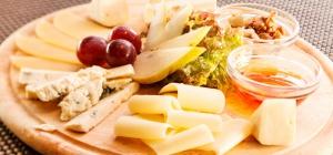 С чем едят сыры разных видов