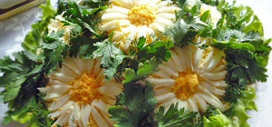 Салат «январская ромашка»