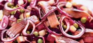 Как приготовить вкусный салат из сельди