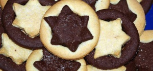 Шоколадное печенье (колечки и звездочки)