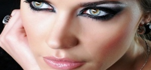 Что для женщины важнее накрасить: глаза или губы?
