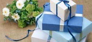 Как красиво поздравить знакомую с днем рождения