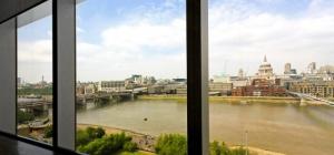 Окна от пола до потолка: проблемы и решения