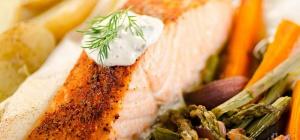 Как приготовить лосось на гриле с овощами