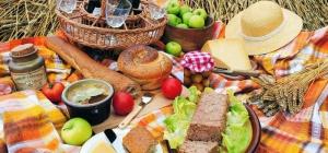 Как составить меню для пикника на 20 человек