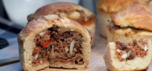 Как приготовить булочки с мясным фаршем и каштанами