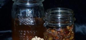 Как настаивать водку на кедровых орешках