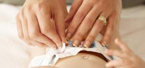 Как часто меняют памперс новорожденному