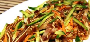 Рецепты салатов со свиными ушами