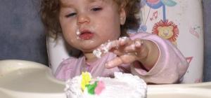 Торт на год ребенку - каким он должен быть?