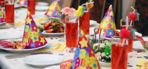 Как накрыть на стол ко дню рождения
