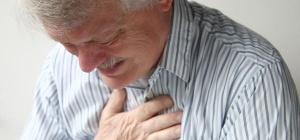 Что делать, если болит грудная мышца