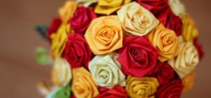 Как сделать букет цветов из цветной бумаги на 8 Марта