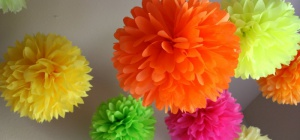 Как сделать цветы из гофрированного картона