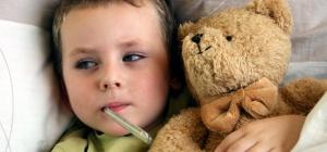 Как смазывать ребенку горло