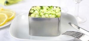 Как придать салату нужную форму