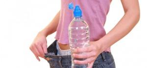 Как вывести лишнюю жидкость из организма