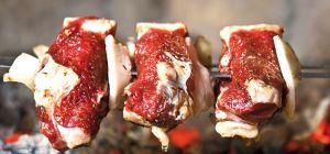 Мясо барашка в маринаде из чили