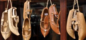 Как растянуть новую обувь