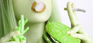 Пять распространенных привычек, которые сильно вредят здоровью
