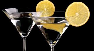 Как пить мартини