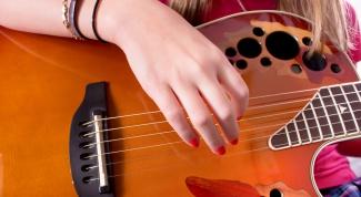 Как играть аккорды