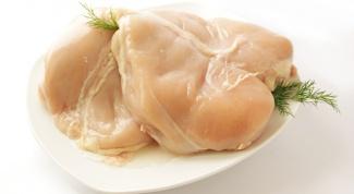 Как отбивать куриные грудки