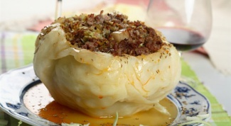Как сделать фаршированную капусту под белым соусом