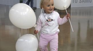 Как научить малыша ходить