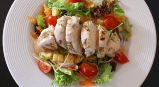 Как приготовить салат из копченой курицы