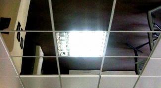 Как крепить потолочные панели