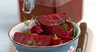 How to cook the marinade from the beets