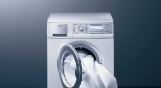How to drain the water from the washing machine