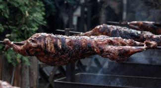 Как приготовить барана на вертеле