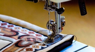 Как вставить иглу в швейную машину