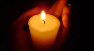 Как убрать пятна от свечи