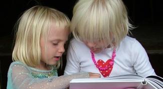 Как рассказывать детям сказки