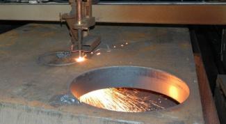 Как вырезать круг из металла
