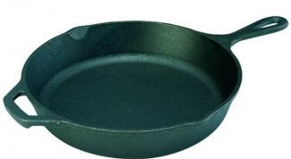 Как отмыть чугунную сковороду