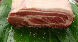 Как солить свинину