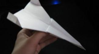 Как сделать бумажный истребитель