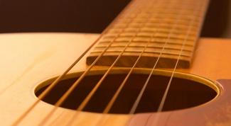 Как поставить струны на акустическую гитару
