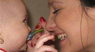 Как давать лекарство новорожденному