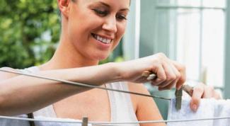 Как отстирать одежду от пота