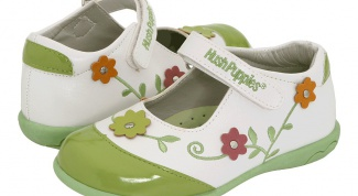 How to choose shoes for a baby under one year