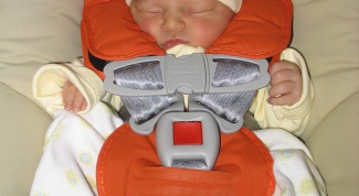How to install a baby seat in the car