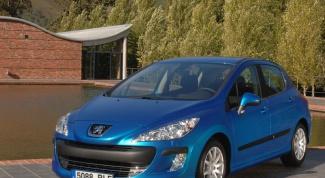 Как снять фару на Peugeot