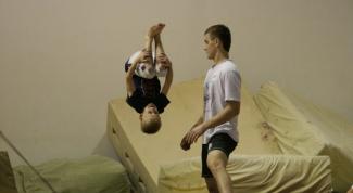 Как научиться делать сальто в домашних условьях