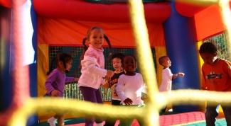 Как организовать прогулку в детском саду